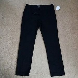 NWTS VINCE CAMUTO BLACK STRETCH SLACKS. SIZE 10.